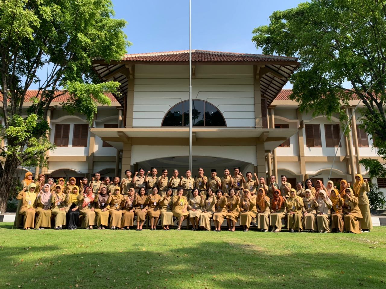 Guru SMK N 6 Surakarta